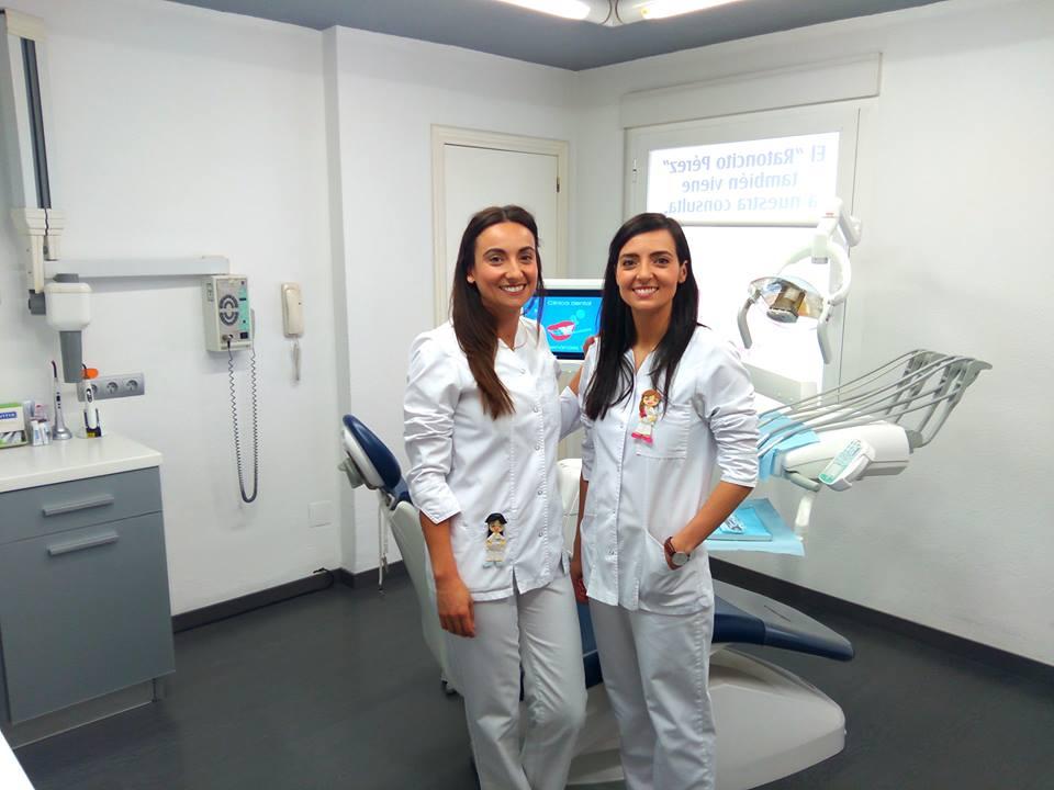 sonrisa-novias-boda-atelier-alicante-clinica-dental