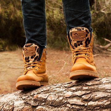 a7659c24722a6 Las botas se reinventan - Revista de moda on-line