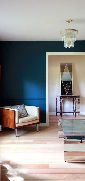 azul klein en pared