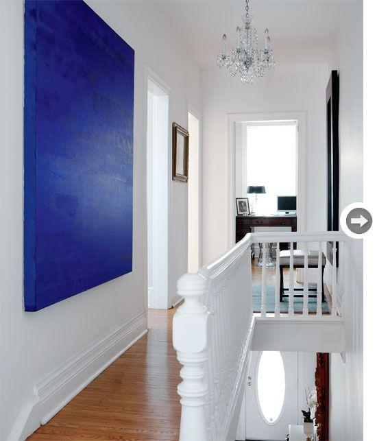 azul klein sobre blanco