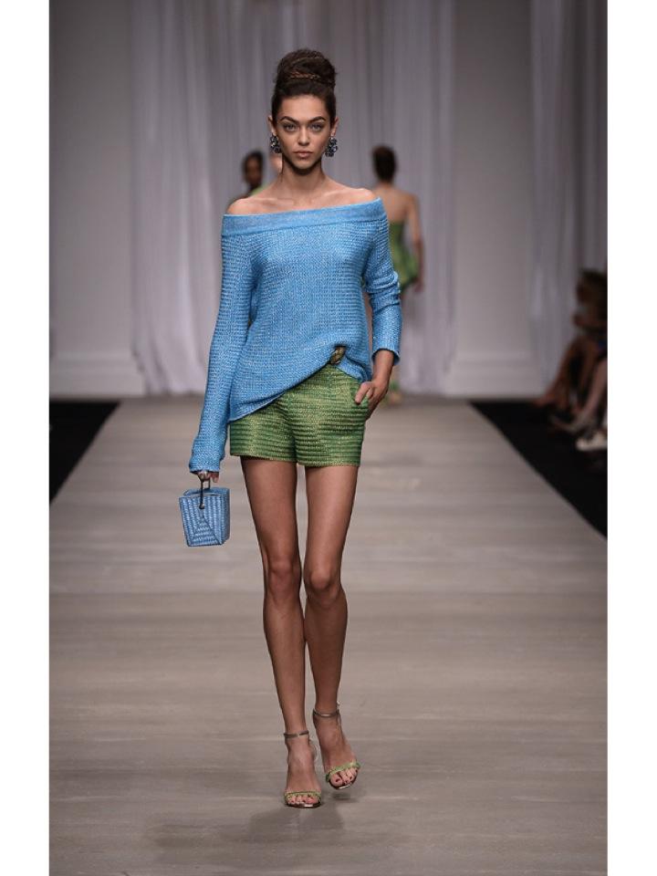 http://www.vogue.es/desfiles/primavera-verano-2015-milan-fashion-week-ermanno-scervino/10324/galeria/18193/image/901136