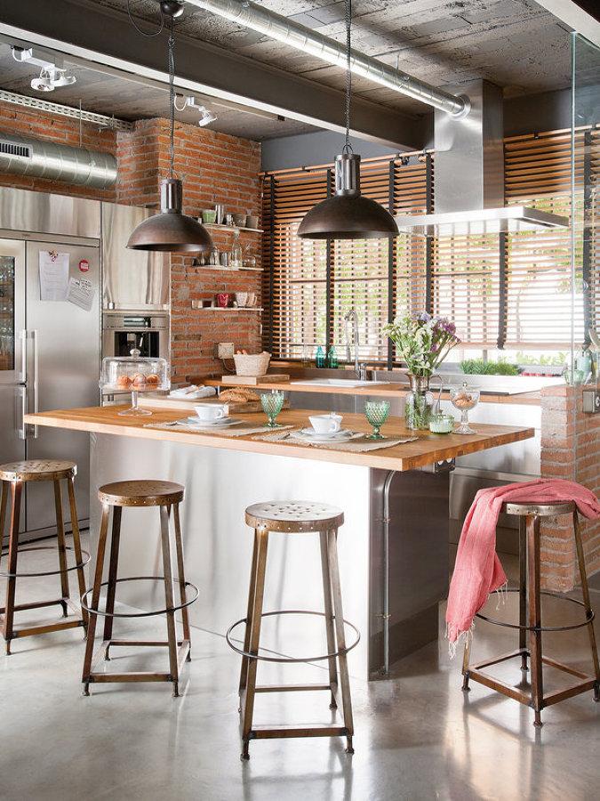 cocina-con-isla-y-toque-industrial-1335056