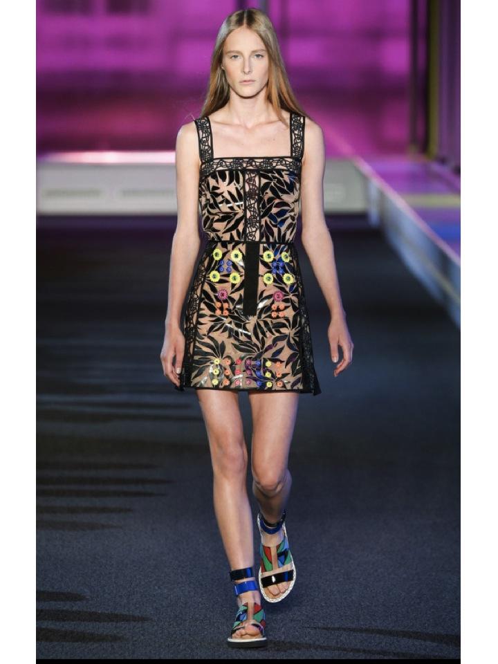 http://www.vogue.es/desfiles/primavera-verano-2015-london-fashion-week-peter-pilotto/10274/galeria/18117/image/897152