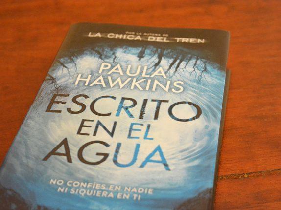 escrito-en-el-agua-paula-hawkins-1-atelier-alicante