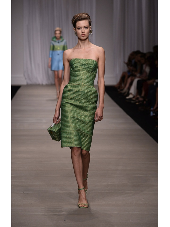http://www.vogue.es/desfiles/primavera-verano-2015-milan-fashion-week-ermanno-scervino/10324/galeria/18193/image/901132